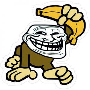 обезьяна тролль с бананом